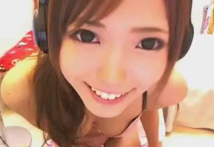 目が大きくてカワイイチャットガール