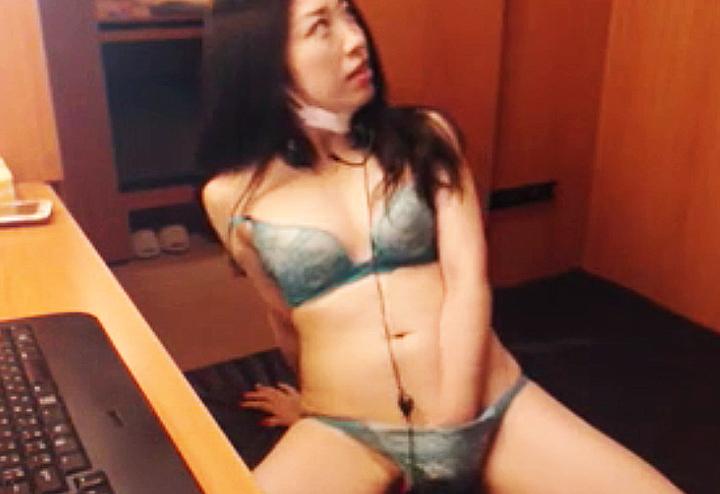 隣客にオナニーを撮影される女(ライブチャット動画)