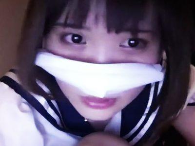 泣きそうな表情の女(ライブチャットキャプチャー動画)