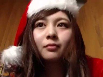 ネットカフェでオナニーする美少女(ライブチャットキャプチャー動画)