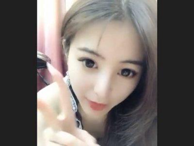 おしっこも見せる中国美女(ライブチャットキャプチャー動画)