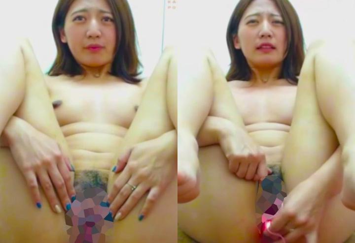 困り顔美女の無修正ライブチャット動画