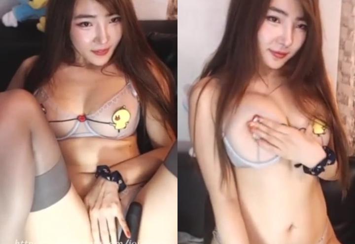 ムチムチ韓国美女のオナニーライブ