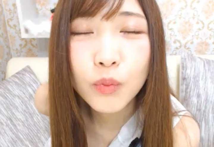 チャットレディのキス顔